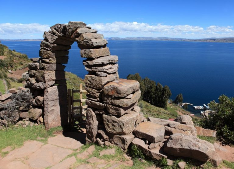 Lake Titicaca's Uros & Taquile Islands